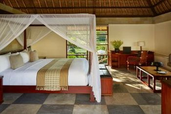 Amanusa Bedroom