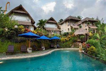 Surya Shanti Villa Outdoor Pool