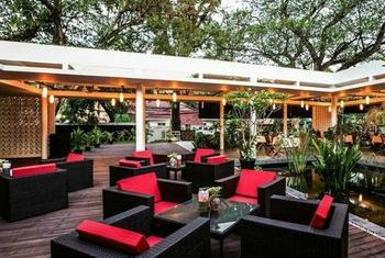 Viroth's Hotel Siem Reap Cafe