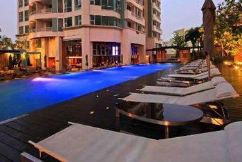 Anantara Sathorn Bangkok pool