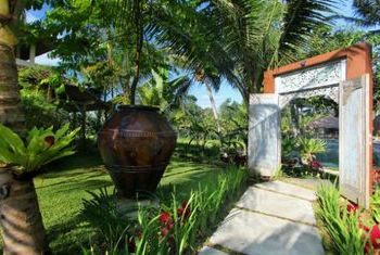 Mathis Retreat Garden