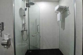 Preah Vihear Boutique Hotel Bathroom