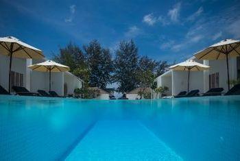 Tamu Hotel Outdoor Pool 2