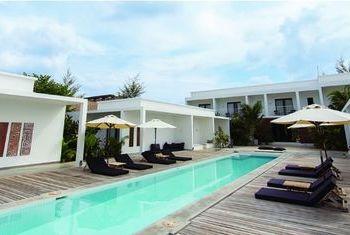 Tamu Hotel Swimming Pool