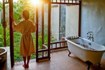 Emeralda Resort Ninh Binh bathroom