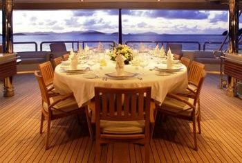 Stereden Cruise dining