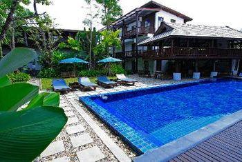 Banthai Village pool