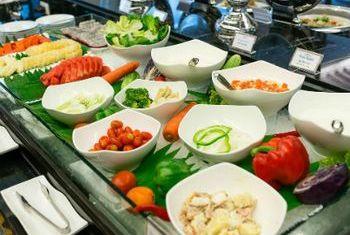 Chillax Resort buffet