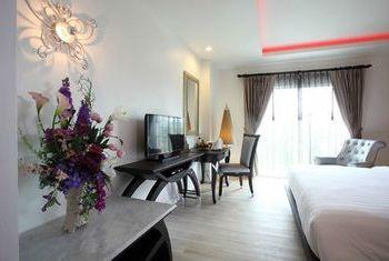 Chillax Resort bedroom