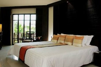 Novotel Chumphon Resort and Golf bedroom