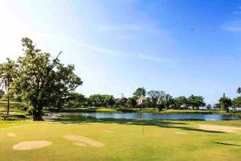 Novotel Chumphon Resort and Golf field