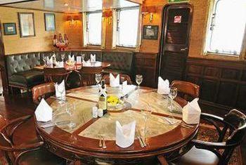 Emeraude Cruise Restaurant 1