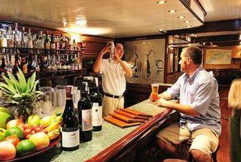 Emeraude Cruise Bar