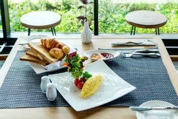 Na Nirand Romantic Boutique Resort Food 1