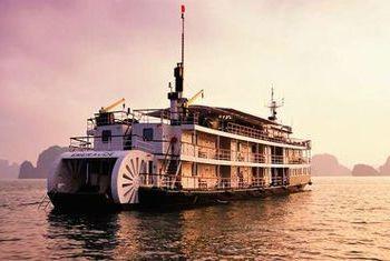 Emeraude Cruise on the Bay