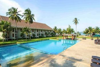 Novotel Chumphon Resort and Golf pool