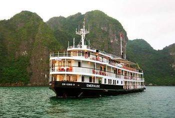 Luxurious Emeraude Cruise