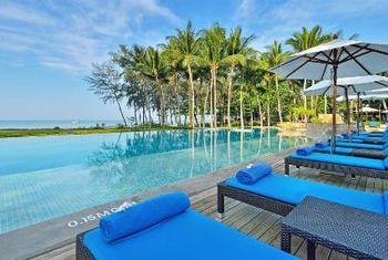 Dusit Thani Krabi Beach Resort Pool2