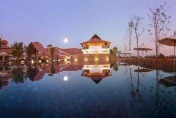 Sriwilai Sukhothai Resort and Spa pool