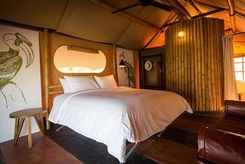 Lala Mukha Tented Resort bedroom