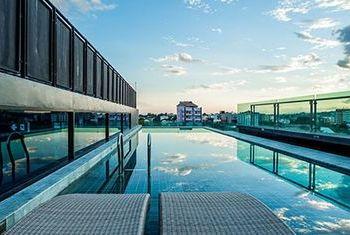 Art Mai Gallery Hotel pool