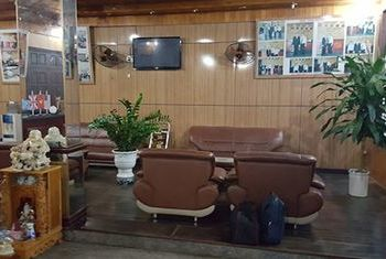 Thai Ninh Hotel reception