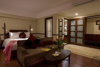 Hanoi La Siesta Hotel & Spa bed room