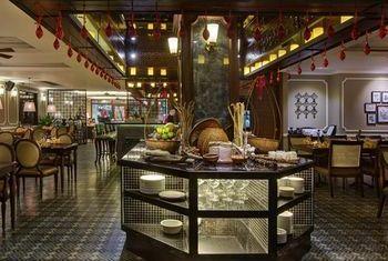 Hanoi La Siesta Hotel & Spa room