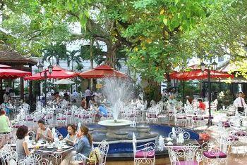 Saigon Morin Eating outdoor