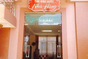 Thai Ninh Hotel Entrance