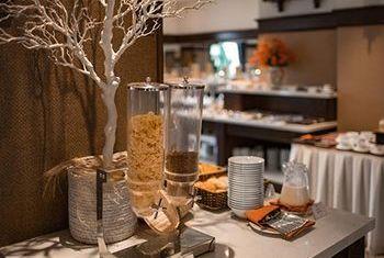 Ninh Binh Hidden Charm Hotel & Resort Food 2