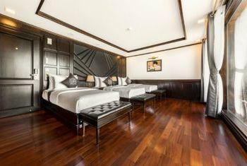 La Regina Cruise bedroom