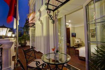Hanoi La Siesta Hotel & Spa bed