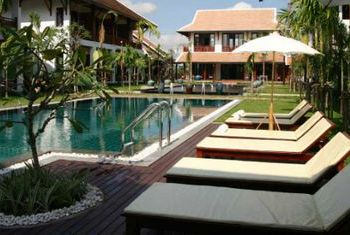 Green Park Hotel Vientiane pool