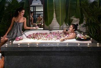 Shinta Mani Club Siem Reap romantic Bathtube