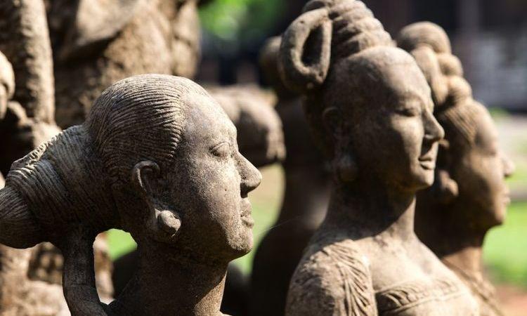Mrauk U or Bagan?