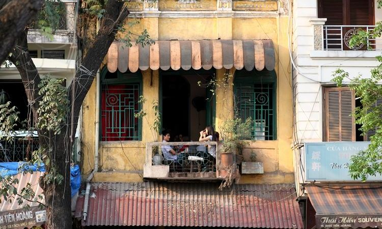 Top 6 Unique Cafe For Travelers In Hanoi