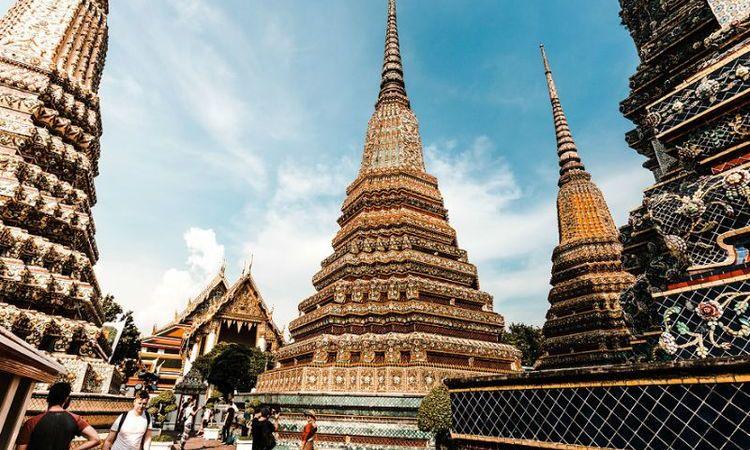 Dos und Don'ts beim Besuch eines buddhistischen Tempels in Thailand