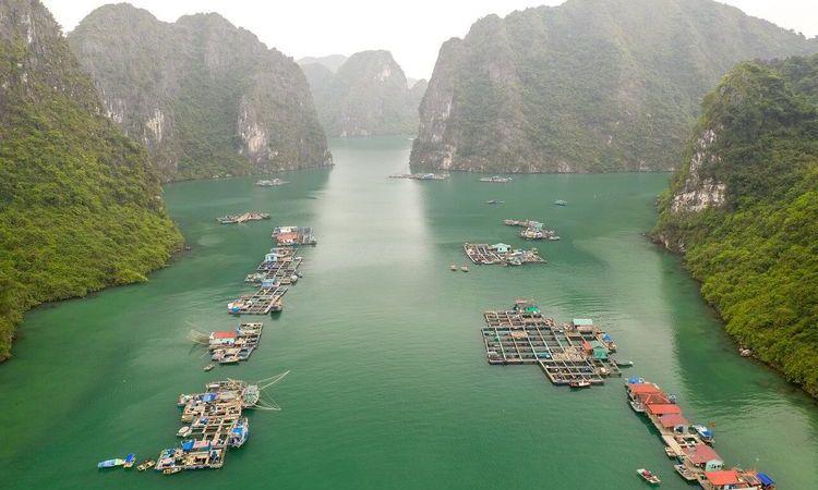 Hanoi, Mai Chau, Halong Bay and Da Nang