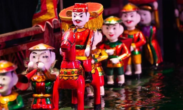 Vietnamese Souvenirs? 8 Things To Buy