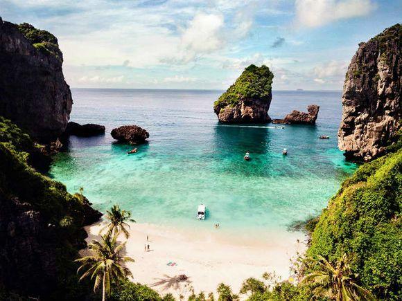 Cruise down the Phang Nga Bay