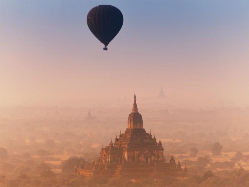 Spectacular sunset in Bagan