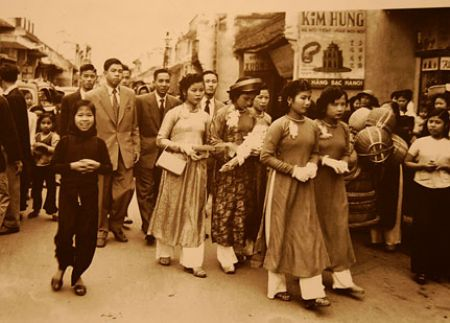 A Vietnamese wedding ceremony in the past