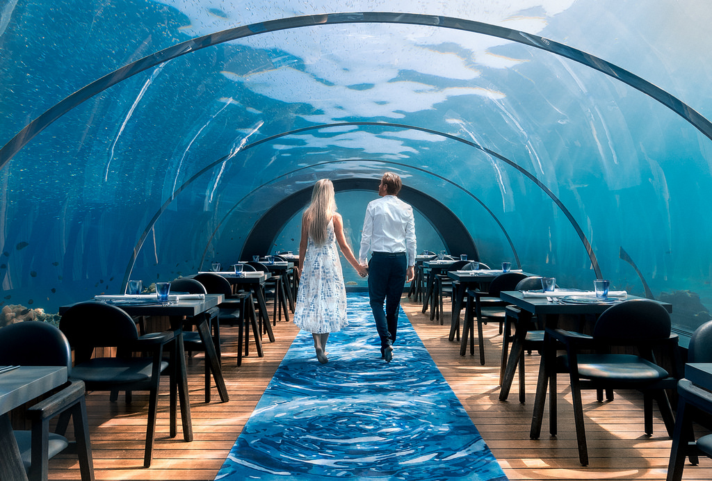 Underwater-restaurant-in-maldives