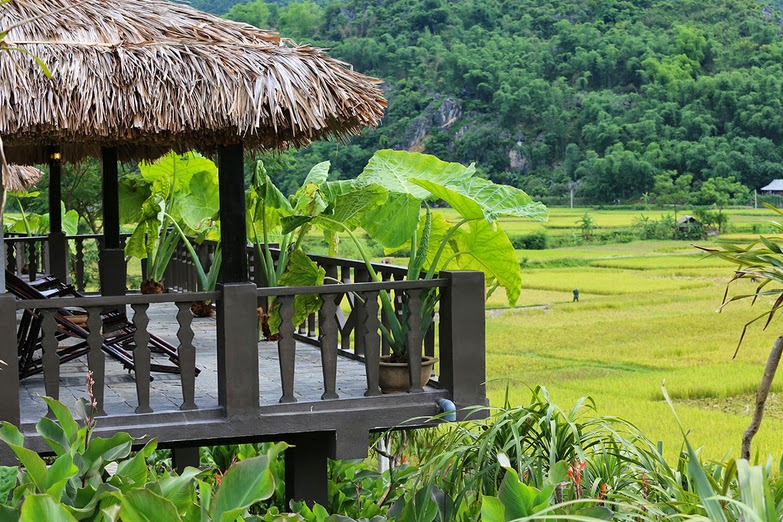 Each bungalow is built entirely from natural materials with palm-thatched roofs and bamboo furniture, imitate style of Thai ethnic stilt houses...