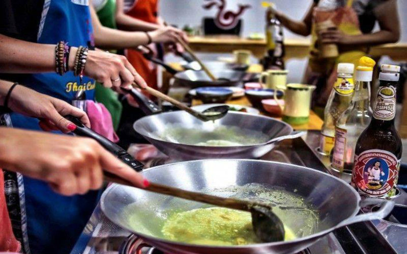 A Thai cooking class - A must-try experience