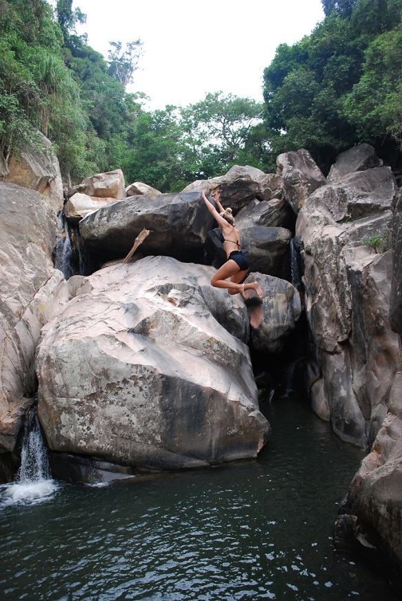Ba Ho Waterfall Cliff Jumping