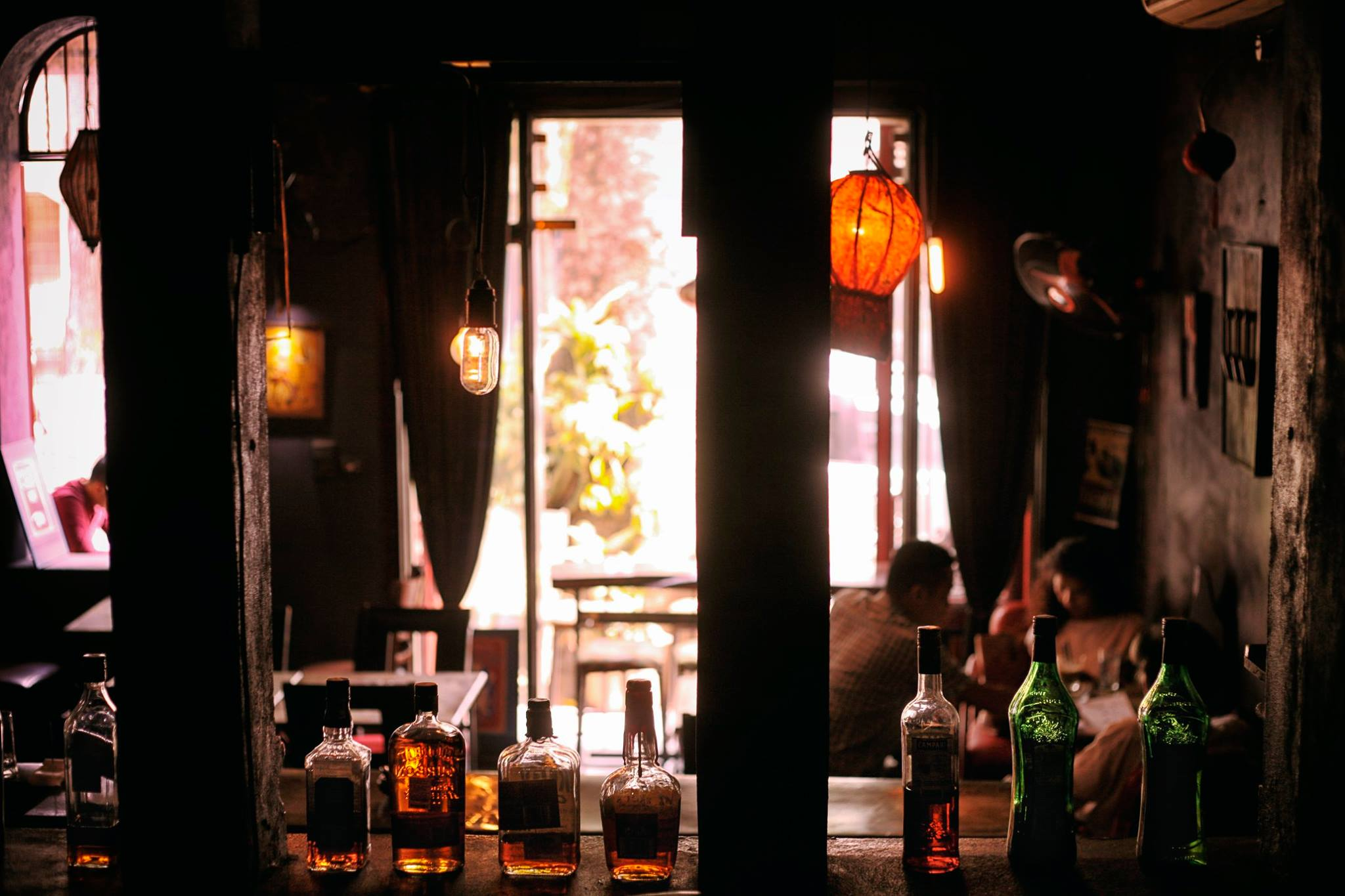 Tadioto has the finest music playlist of Hanoi. It offers great cocktails with affordable price