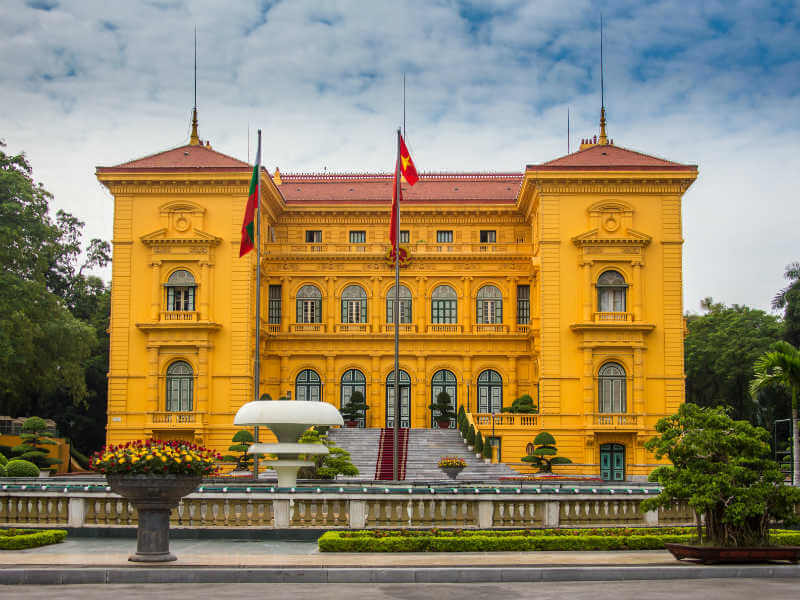Hanoi, the country's capital is a cultural hub. The city is a nice amalgamation of old and new, of modern office blocks interleaving with yellow colonial-era buildings
