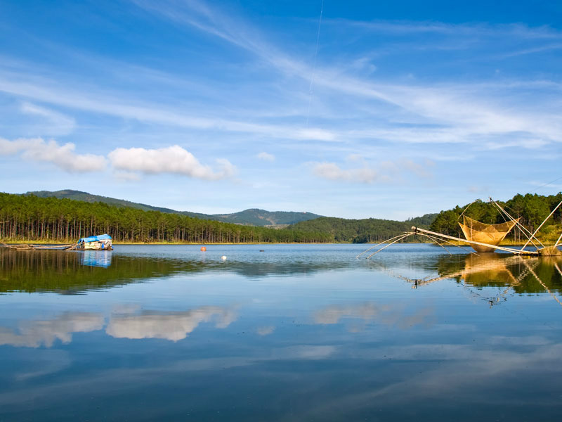 Da Lat has abundant lakes and waterfalls.The tempo of life here is very relaxing